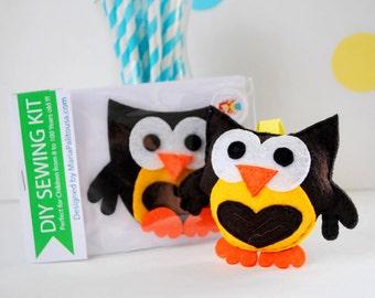 Owl Sewing Kit, Christmas Ornament, Felt Hand-Sewing Kit Craft Felt Sewing Kit, Kid Sewing Kit, diy Felt Mini kit  READY TO SHIP A795