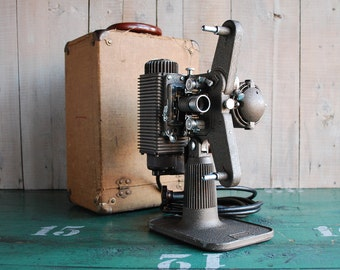 8mm Film Projector, Classic Revere Model 85 Home Movie Projector, Vintage Movie Gear