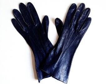 Vintage Navy Soft Leather Gloves / Size 6.5