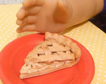 Miniature Apple Pie Slice for American Girls 1:3