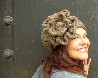 Chunky Slouch, Chunky Hat, Girly Slouch, Girly Hat, Flower, Coconut Button, Barley, Girly, Chunky, Warm, Brown, Oatmeal Hat