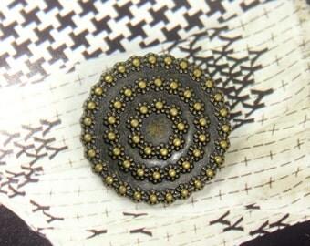 Metal Buttons - Florets Wreath Metal Buttons , Antique Brass Color , Shank , 1.15 inch , 4 pcs