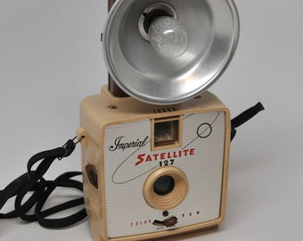 IMPERIAL CAMERA TAN Imperial Satellite Camera and Flash Nice Working Order