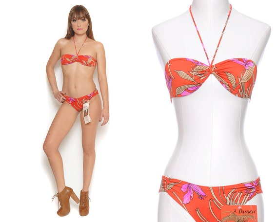 Bandeau Bikini 80s Two Piece Hawaiian Tropical Red Floral Boho Low Rise Swimwear 1980s Deadstock / Size XS Extra Small