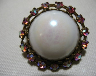 Vintage Brooch with White Glass Cabochon and Rhinestones