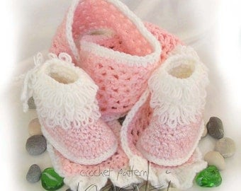 Baby crochet pattern - boots with scarf. Full of large pictures! Permission to sell finished items.
