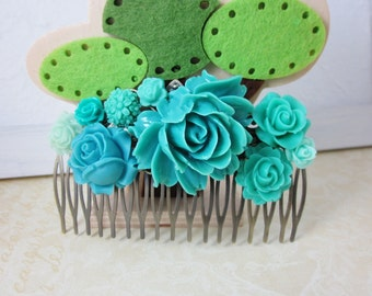 Turquoise flowers antique filigree haircomb.  Lovely gift for her. Bridal Jewelry.