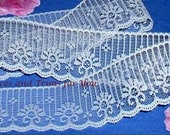 White Lace Trim 10 Yards Candlewick Scalloped 2 inch Lot O75B Added Items Ship No Charge