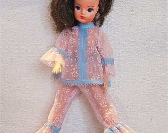 Vintage English Pedigree Sindy Doll 1970s in various pieces of MOD Faerie Glen Carnaby Street style Clothes