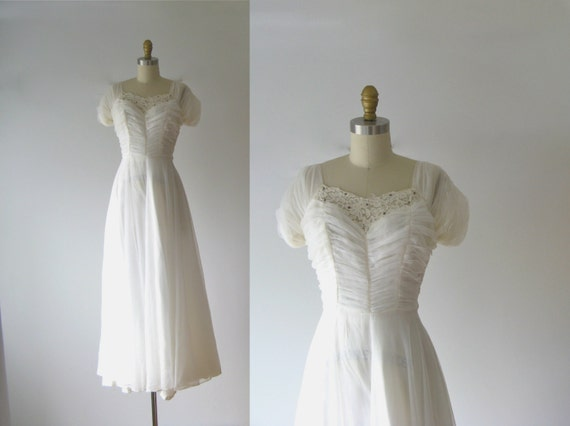 Vintage 1940s Wedding Dress / 40s Wedding Dress