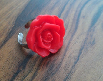 Adjustable red flower ring