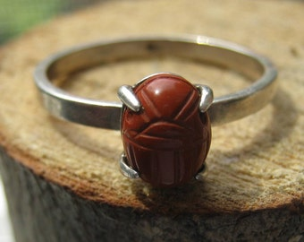 Vintage Sterling Silver Ladies Ring with Carved Goldstone Scarab Old Egypitan Style Size 8 1/2