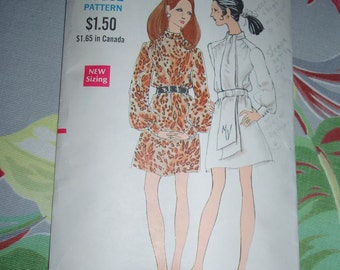 "Vintage 1960s Vogue Pattern 7619, One Piece Dress, Size 10, Bust 32 1/2"", Hip 34 1/2"""