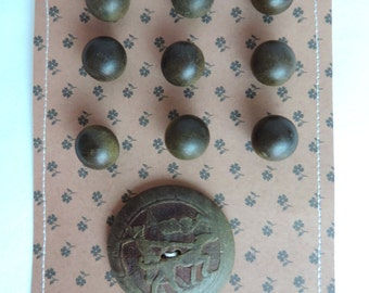 FREE SHIPPING Buttons Vintage Wood Set 9 Small and 1 Large Carved Button Card Man and Dog