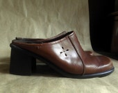 Women's shoes, LEATHER mules, medium brown, 7 1/2