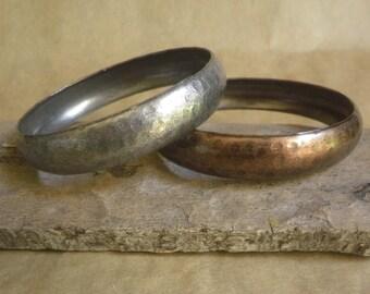 set of 2 Hammered finish Bangle Bracelets, metal