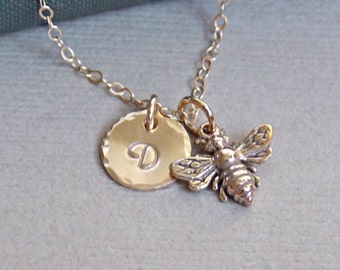 Gold Initial Bee Charm Necklace, Personalized Bee Necklace, Gold Bee Jewelry, Initial Charm Disc Necklace, Bridesmaid Gift Idea, Mom Jewelry