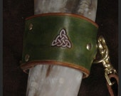 Collosal 25 inch triangular Celtic Knot DRINKING HORN with Field Green and British Tan Extra Long Carrying Strap
