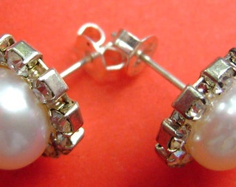 Pair Of Natural Pearl Acrylic Diamond Ear Studs 12mm x 8mm  T1601