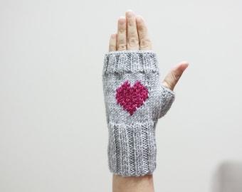 Grey Knit gloves Fingerless Gloves Knit wrist cuffs Frilly