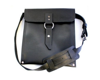Leather iPad Traveler Bag in Classic Black