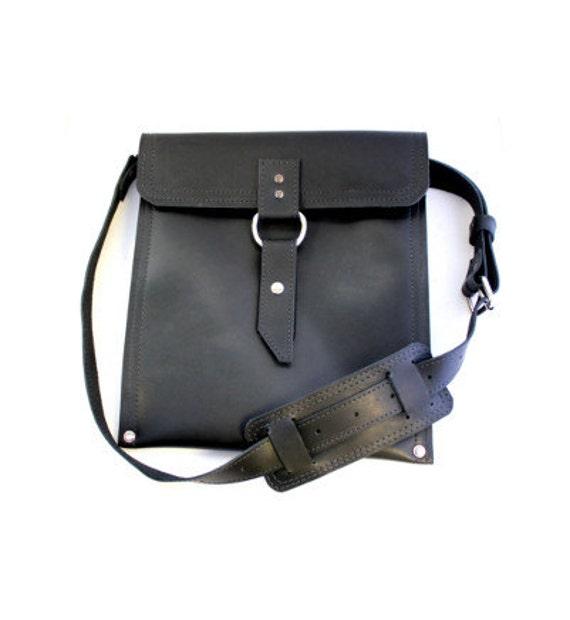 Leather iPad Traveler Bag in Classic Black