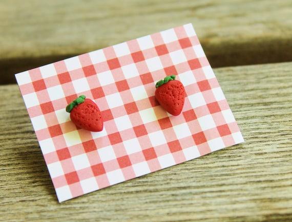 Fun Food Earrings... Strawberries