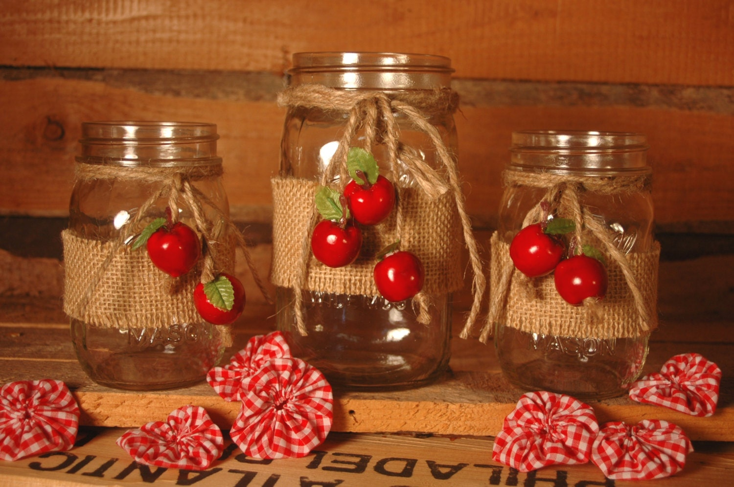 Apple harvest collection of decorated mason jars table decor for Apples decoration for kitchen