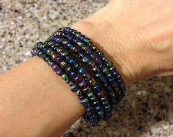 Blue/black beaded memory wire bracelet//wrap bracelet
