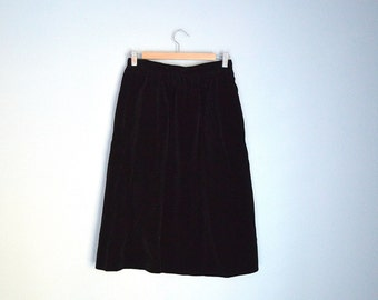 Vintage 80s Black Velvet Classic Midi kneelength Evan Picone Skirt // womens xsmall small