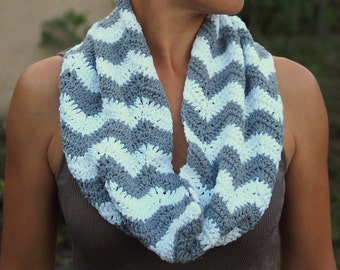 Chevron zigzag crochet scarf, loop infinity scarf, cowl , grey and white chevron scarf, circle neckwarmer