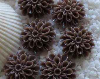 Resin Mum Flower Cabochon  - 16mm -  12 pcs - Brown