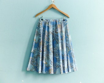 Vintage light blue pleated skirt / paisley skirt / high waist / midi length / below knee / medium
