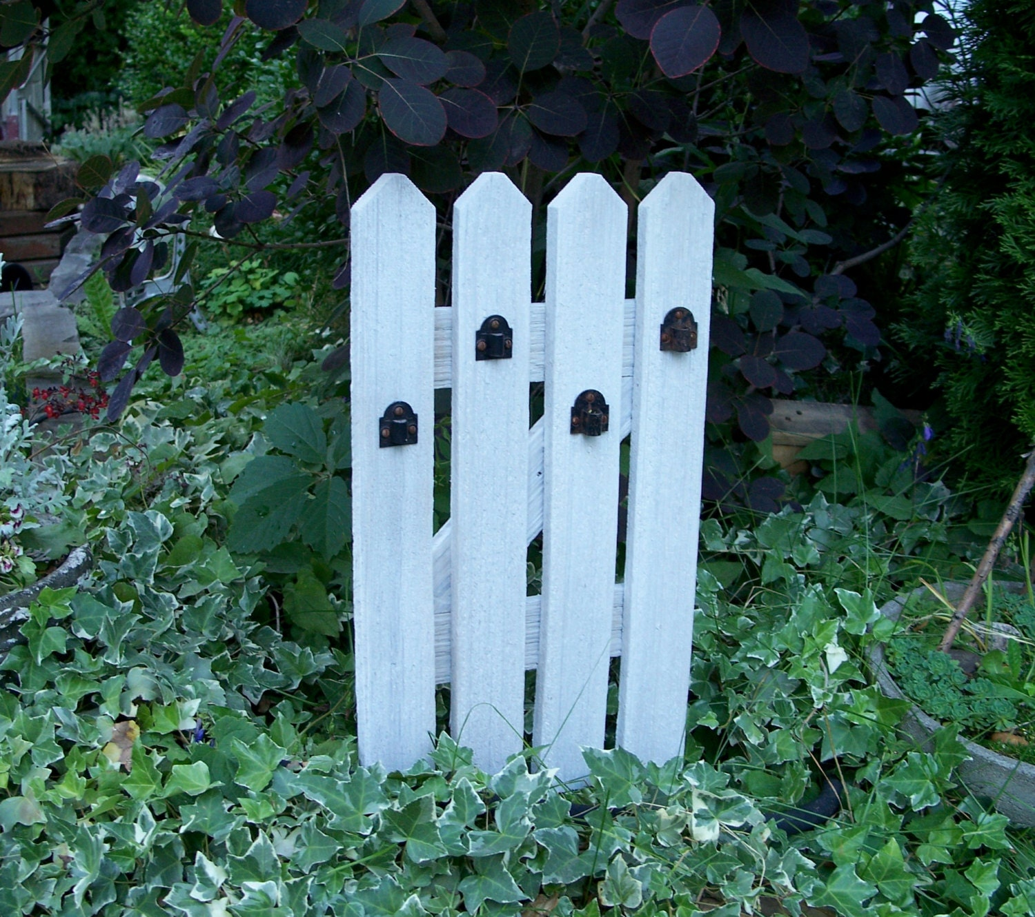 White picket fence garden panel garden decor for Garden fence decorations