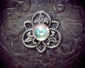 Snowflower Bindi, small bindi, festival costume, festival jewelry, tribal fusion, bellydance, reusalbe bindi, pagan bindi, stick on gem,