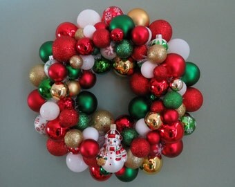 Christmas Wreath Ornament Wreath SNOWMAN Red GREEN White Gold