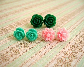 Dark Green, GreenBlue and Pink Resin Flower Earrings, Resin Earrings, Resin Cabochons, Cabochons Earrings, Flower Earrings, Rose Earrings