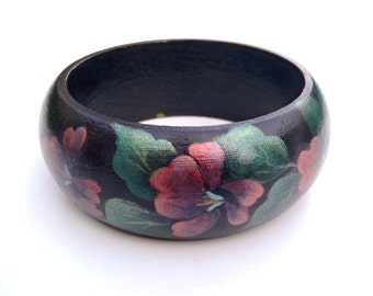Vintage Hand Painted Wood Bangle Pink Flowers Green Leaves on Black Bangle Wooden Bracelet Folk Art Tole Style Frosty Metallic Floral Design