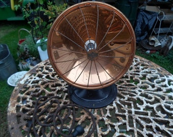 Vintage 1920s to 1930s Universal Electric Heater Industrial Looking Copper Working Condition Display/Prop Metal Base Made in New Britian Ct.