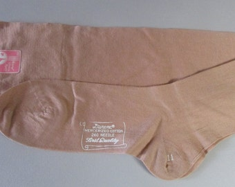 Vintage 1930 Stockings LIngerie Dark Beige Cotton Unworn with Tag Lady Wallace Hosiery 11 Leg Seam Nice