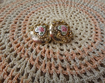 Vintage 1950's CORO Goldtone Guilloche Enamel Rose Heart Clip on Earrings
