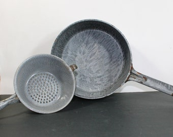 Vintage Gray Enamelware 4 Quart Pot with Strainer