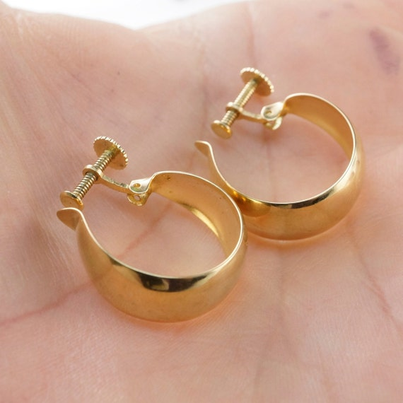 14k GOLD hoop EARRINGS. 14kt non pierced screw mount hoop.