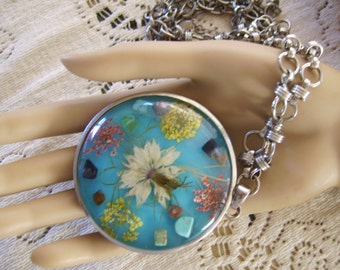 Large Silver Metal Lucite Dried Floral Natural Stone Circular Pendant Necklace
