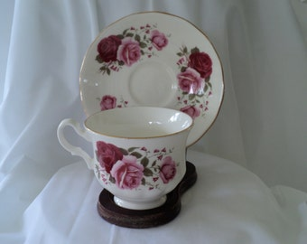 Vintage Tea Cup Pink and Red Rose Queen Anne English Teacup/Tea Cup