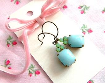 Retro Blue Earrings, Powder Blue Earrings, Green Opal Earrings, Pastel Earrings, Blue Vintage Earrings, Dainty Earrings, Romantic Earrings