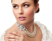 Vintage style pearls necklace. Wedding pearls necklace.  Bridal pearls and crystals necklace. Bridal accessory.  Handmade bridal necklace.
