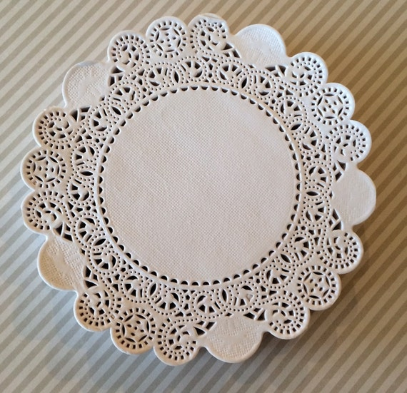 how to make paper lace doilies