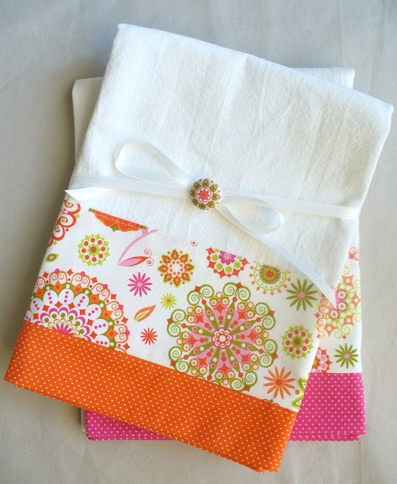 Kitchen towels with pink and orange abstract floral cotton