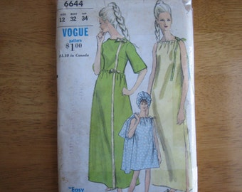 Vogue Pattern 6644 Nightgown, Robe and Nightcap   1960's    Uncut